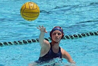 Lauren D waterpolo